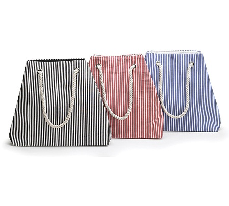 Rope tote is available in 3 colors
